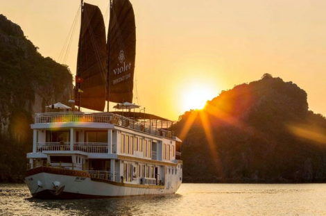 Halong Bay Violet Cruise 2 – 3 days