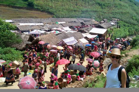 Can Cau market and Bac Ha market tour 4 days