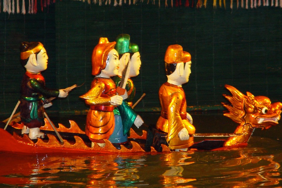 Hanoi traditional water puppet show