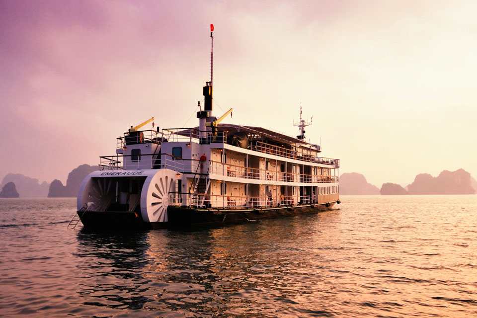 Emeraude Classic Cruise at afternoon