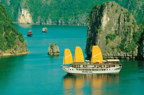 Indochina Sails Junk 2 – 3 days